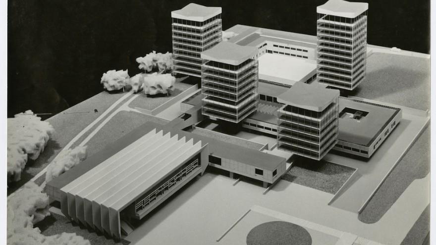 Photo of the model for the Town Hall in Marl Germany, 1957, collection Het Nieuwe Instituut, BAKE ph22, Van den Broek en Bakema Architects