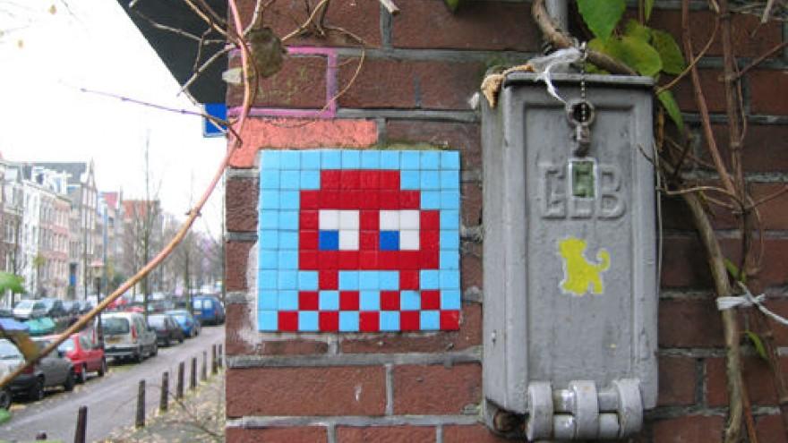 Street artist Space Invader