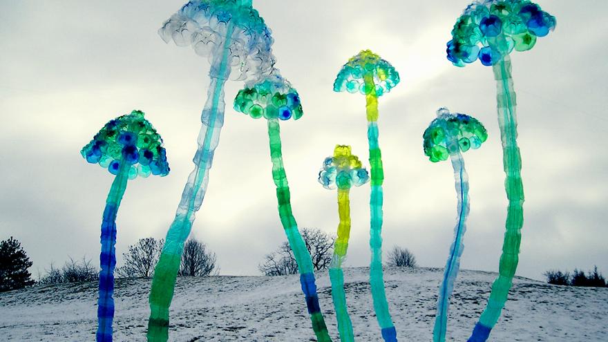 PET plastic bottle art