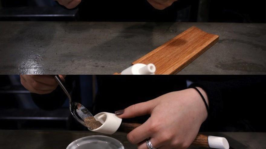 Flip A 2-in-1 salt and pepper shaker by Sahar Madanat Design Studio: An unexpected and clever salt & pepper shaker