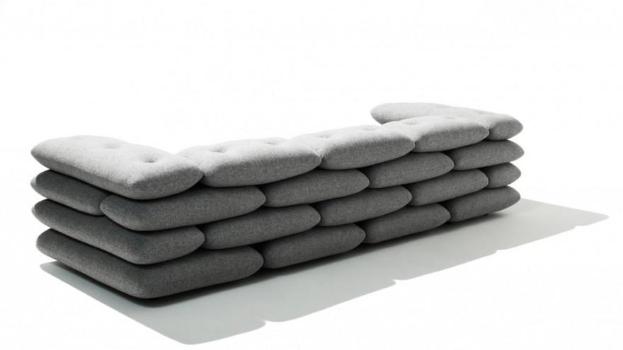 Brick couch by KiBiSi.