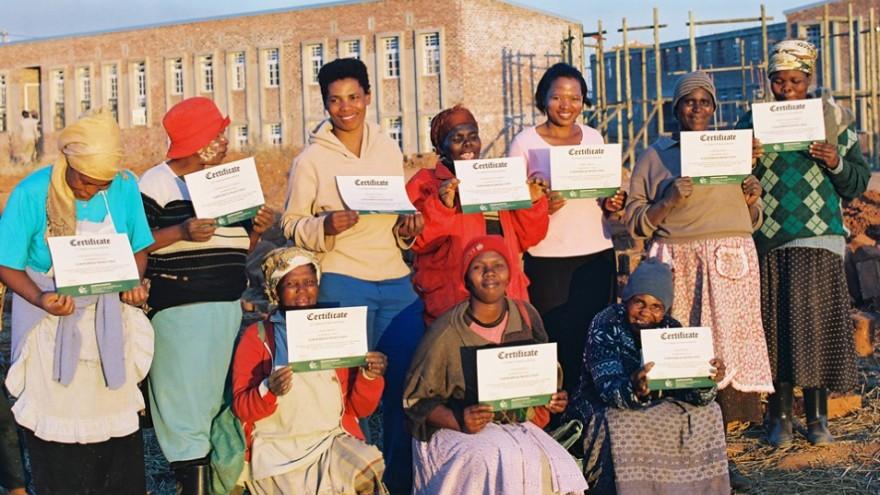 Community of helpers. Photo: Steve Kinsler.