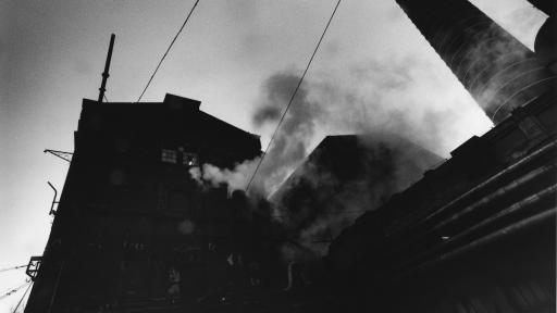 Untitled (Łódź), 2000. Archival gelatin-silver print.  Image: © Collection of the artist