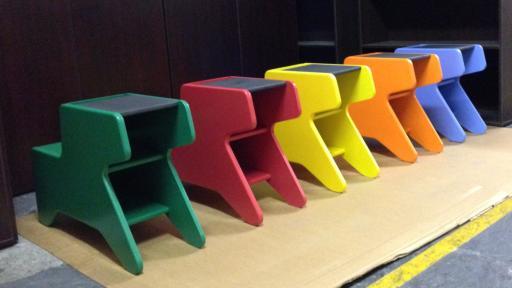 Pony Desk by Y Tsai.