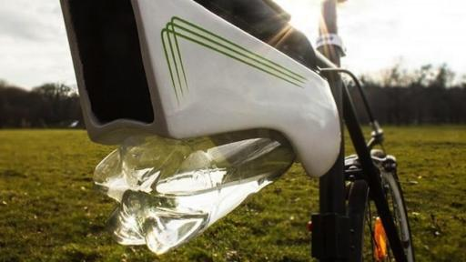 A Viennese industrial designer has created a solar-powered device that collects up to 500ml of condensation per hour as you ride your bike