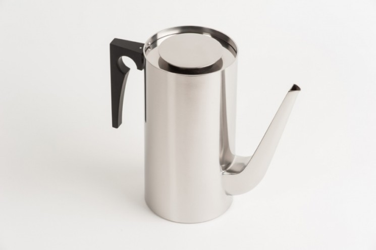 Cylinder Coffee Pot. Photo: Dominic French.