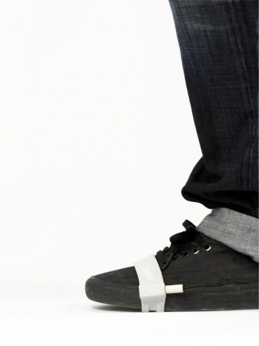 Kick.