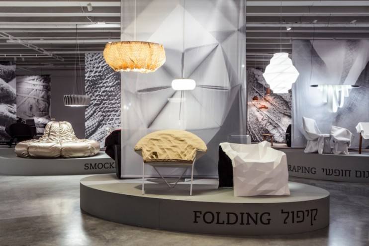 "Products by Mika Barr, Issey Miyake, Ilan Garibi, Julian Mayor, Elisa Strozyk for the ""folding"" category of the exhibition GATHERING: From Domestic Craft to Contemporary Process by Lidewij Edelkoort & Philip Fimmano. Image: Itay Benit."