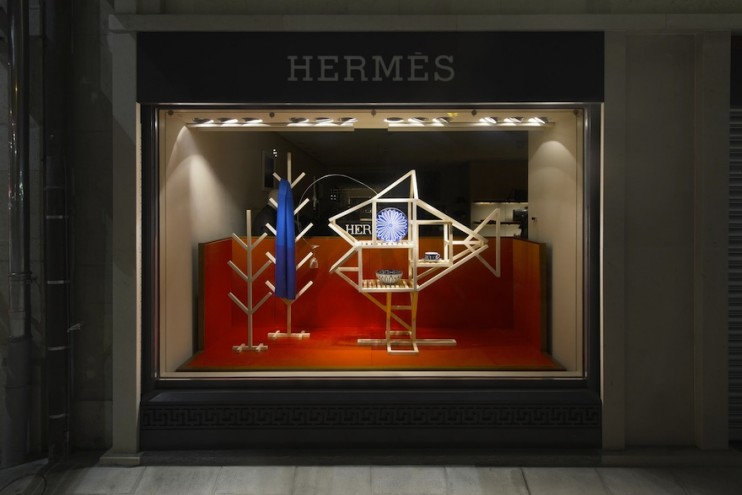 Hermès Geneva window display by ECAL Master's graduate Hongchao Wang of Benwu Studio.