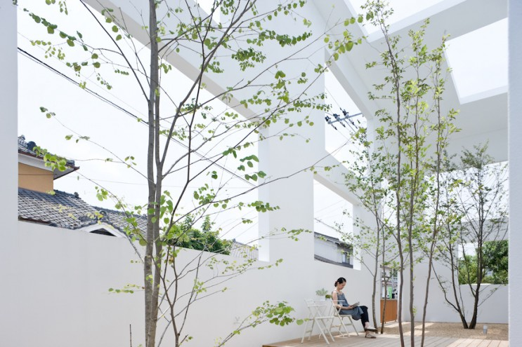 House N by Sou Fujimoto. Image: Iwan Baan