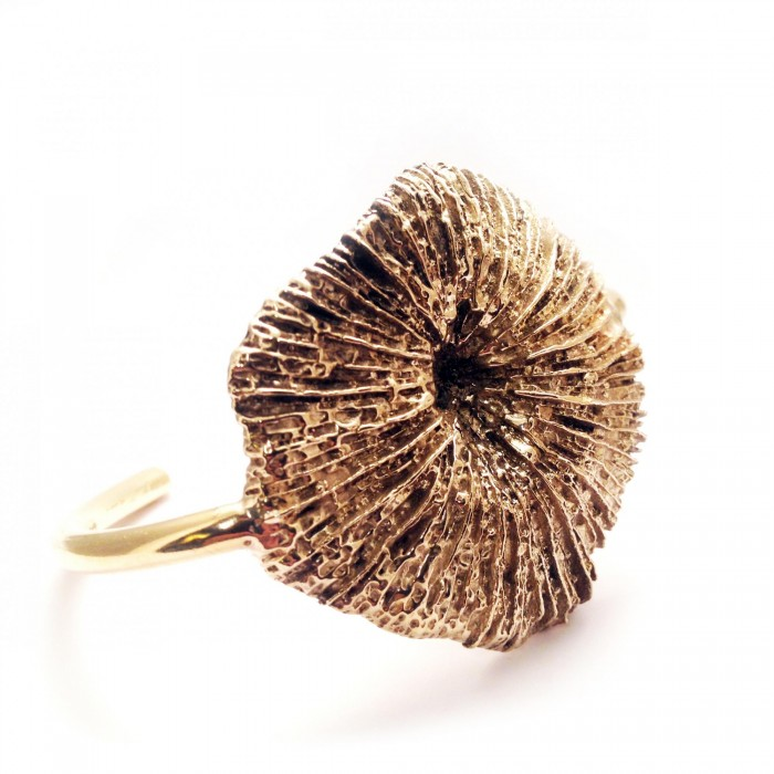 Apis Atelier - coral cuff
