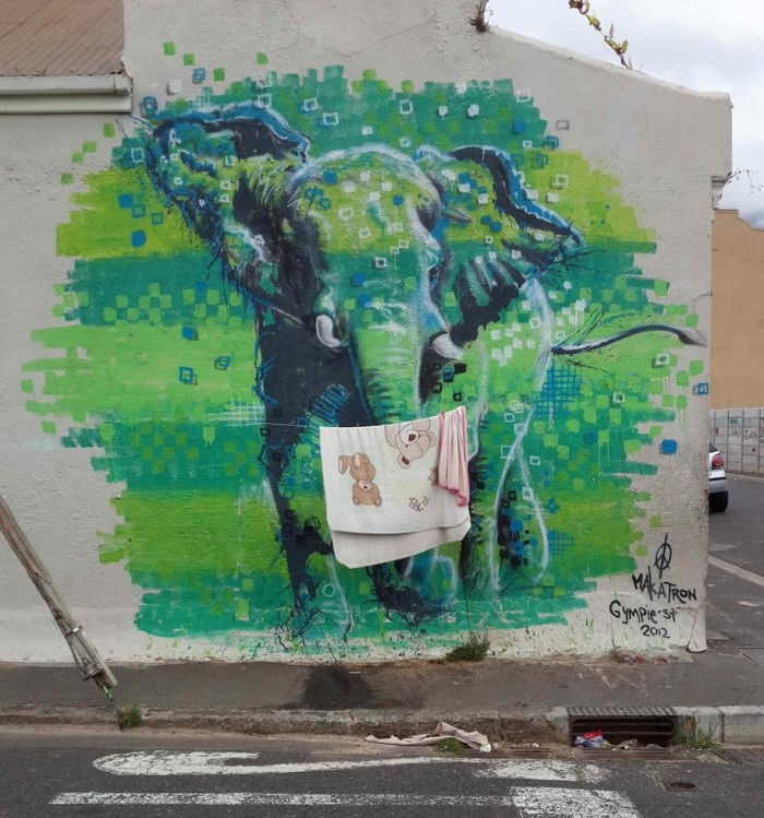 Elephant by Makatron.