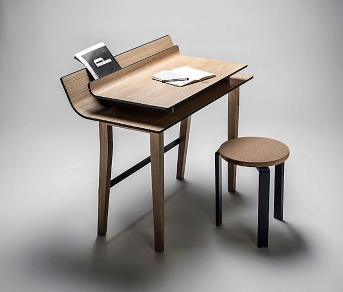 Sheets desk by Lucie Koldová.