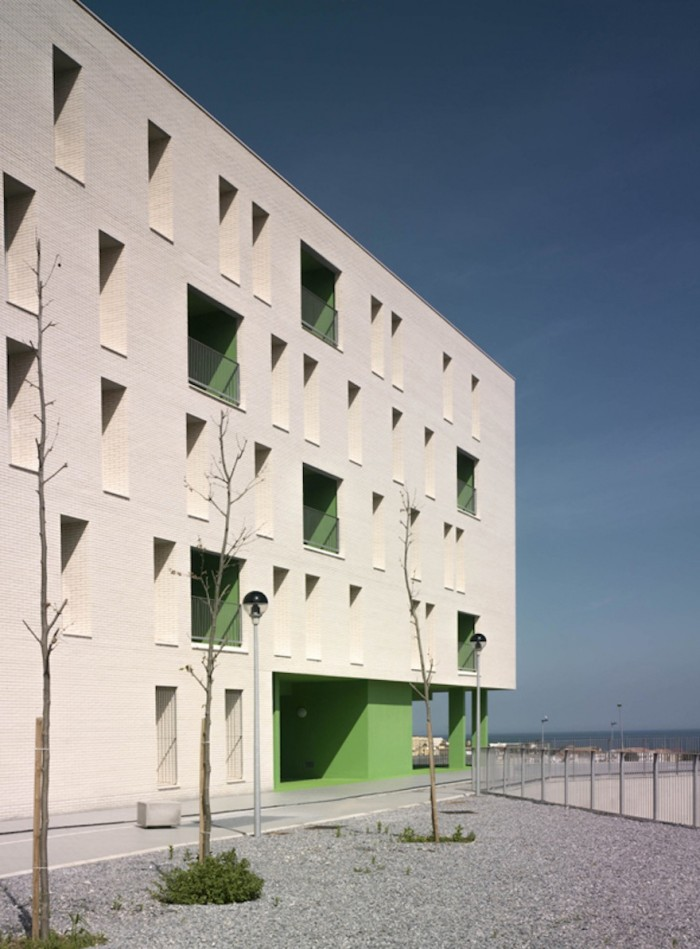 Spanish building presents new design typologies for social