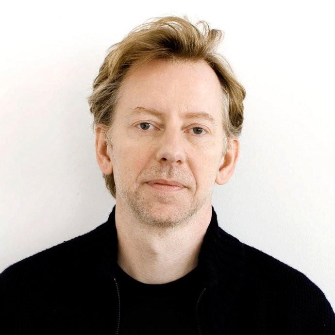 Jakob Trollbäck.