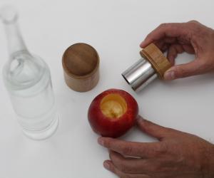 A_S_T Apple Schnapps Tool by Martí Guixé for Stählemühle. Image: Knölke/Imagekontainer.