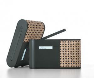 Hybrid radio by Mathieu Lehanneur for Lexon.