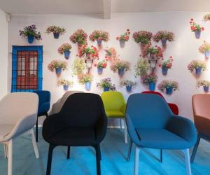 The Clap chair by Patricia Urquiola. Image: Kartell