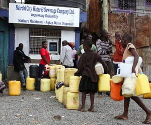 ATMs in Kenya dispense water to the people living in slums who need it. Image:Daniel Irungu