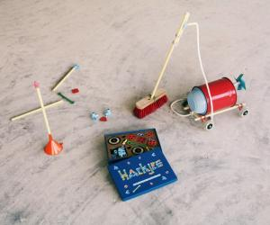 """David van der Stel has designed Hackjes, a set of connectors and add-ons created to help you """"hack"""" household objects into creative objects."""