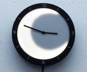Sun-Moon Clock by Jeff Yang