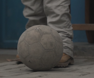 Un Architecte is a short film that highlights the struggles of young Congolese who are getting back onto their feet after struggles with immobility. Image: instagram.com/decade_is