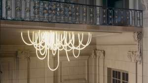 Les Cordes chandelier by Mathieu Lehanneur. Photo: Vincent Duault.