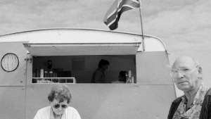 Anne and Louis Conradie's take-aways – buy lekker toebroodjies (1999). Photo: Dave Southwood.